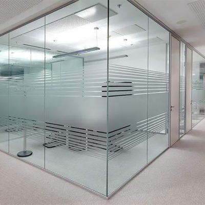 انواع-پارتیشن-اداری-شیشه-ای